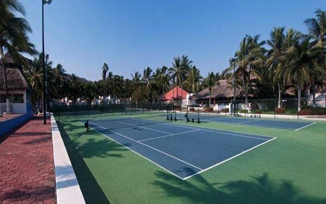 Hotel Gran Festivall Manzanillo All Inclusive Resort dispone de canchas de tenis