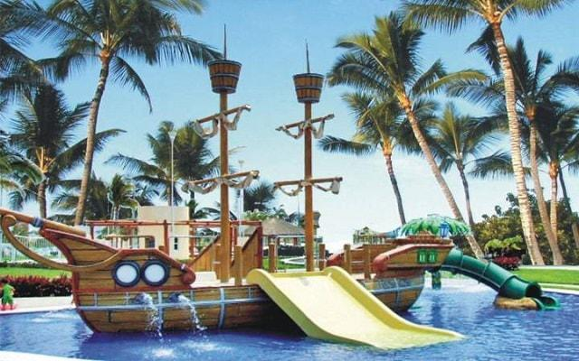 Hotel Gran Festivall Manzanillo All Inclusive Resort su parque acuático tiene un barco pirata