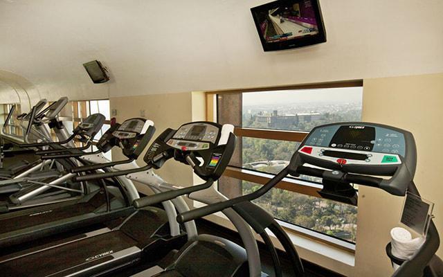 Hotel Grand Fiesta Americana Chapultepec, entrena en un gimnasio bien equipado
