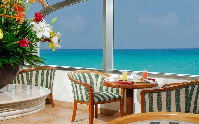 Hotel Grand Fiesta Americana Coral Beach Cancún, Restaurante Isla Contoy