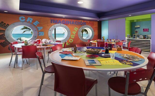 Hotel Grand Fiesta Americana Coral Beach Cancún, los pequeños pueden divertirse haciendo manualidades