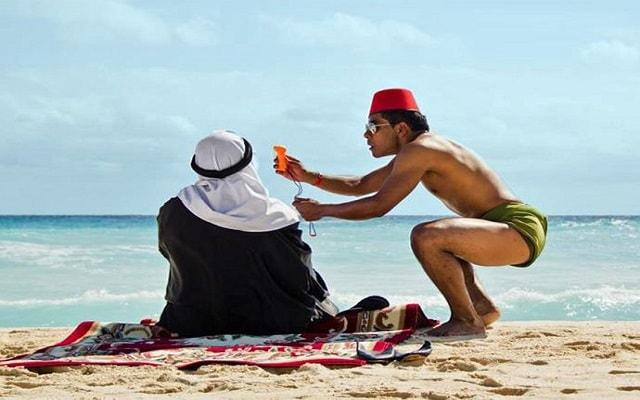 Hotel Grand Oasis Cancún, divertidos momentos con actores y comediantes