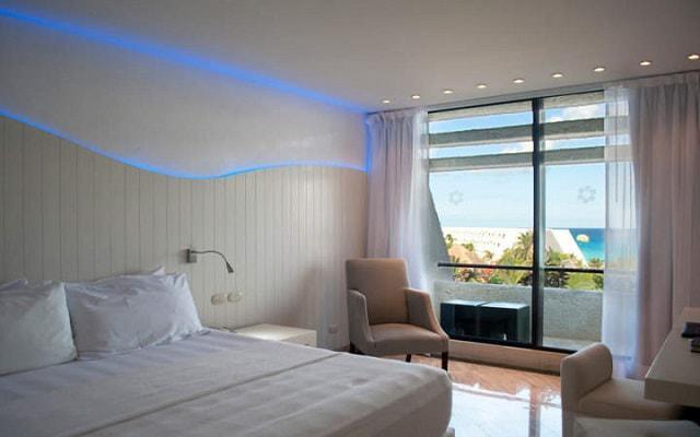 Hotel Grand Oasis Cancún habitaciones con decoración contemporánea