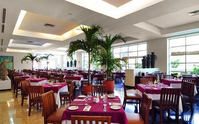 Hotel Grand Oasis Cancún, Restaurante Tunkul