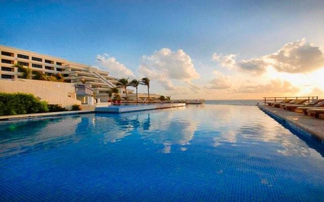 Hotel Grand Oasis Sens, amaneceres asombrosos