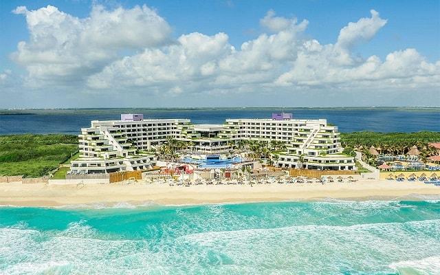 Hotel Grand Oasis Sens, ubicado a pie de playa