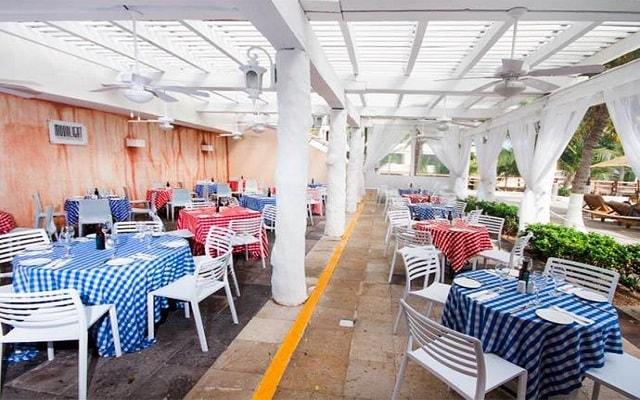 Hotel Grand Oasis Sens, gastronomía nacional e internacional