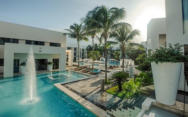 Hotel Grand Oasis Tulum, disfruta de su alberca al aire libre