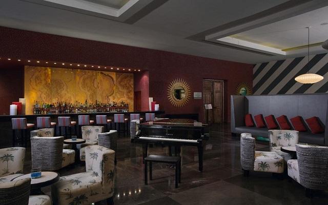 Hotel Grand Oasis Tulum, deléitate con una bebida en uno de sus 8 bares