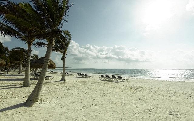 Hotel Grand Palladium Colonial Resort and Spa, relájate en la playa