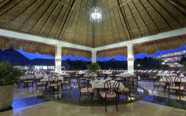Hotel Grand Palladium Colonial Resort and Spa, buen servicio