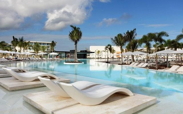 Hotel Grand Palladium Costa Mujeres Resort and Spa, disfruta de su alberca al aire libre