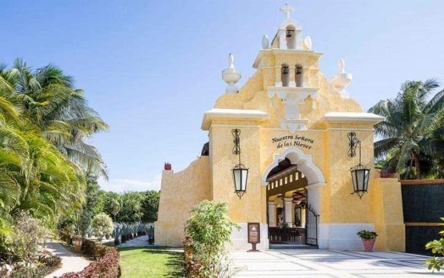 Hotel Grand Palladium White Sand Resort and Spa, capilla