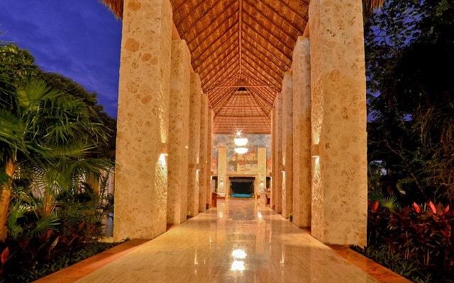 Hotel Grand Palladium White Sand Resort and Spa, atención personalizada desde el inicio de tu estancia