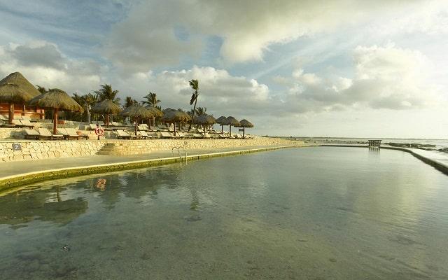 Hotel Grand Palladium White Sand Resort and Spa, lago artificial