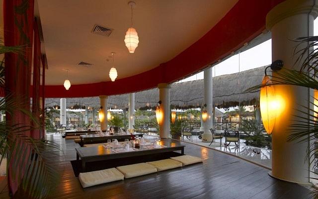 Hotel Grand Palladium White Sand Resort and Spa, espacios de diseño