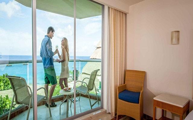 Hotel Grand Park Royal Cozumel All Inclusive, disfruta en compañía de esa persona especial