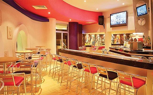 Hotel Grand Park Royal Cozumel All Inclusive, prueba una bebida en el bar