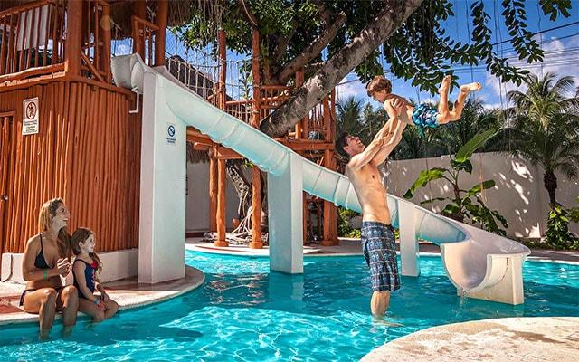 Hotel Grand Park Royal Cozumel All Inclusive, disfruta de su ambiente familiar
