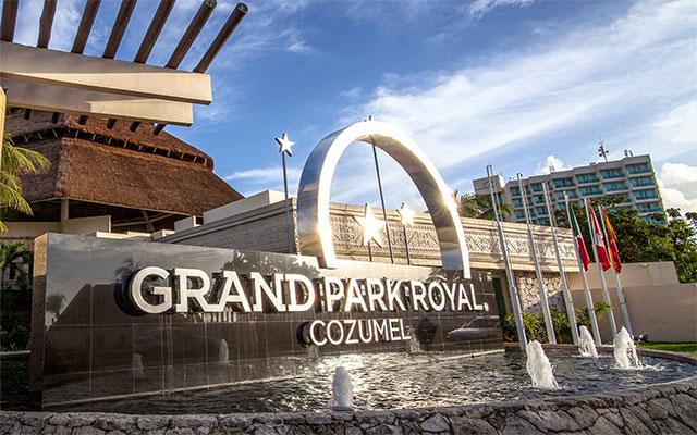 Hotel Grand Park Royal Cozumel All Inclusive, buena ubicación