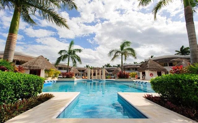 Hotel Grand Riviera Princess, disfruta de su alberca al aire libre