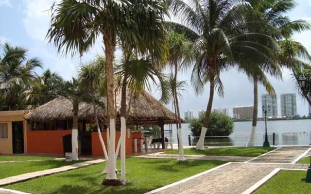 Hotel Grand Royal Lagoon, visita el muelle