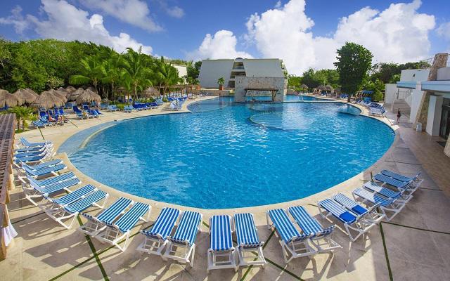 Hotel Grand Sirenis Riviera Maya, asoléate en espacios de gran confort