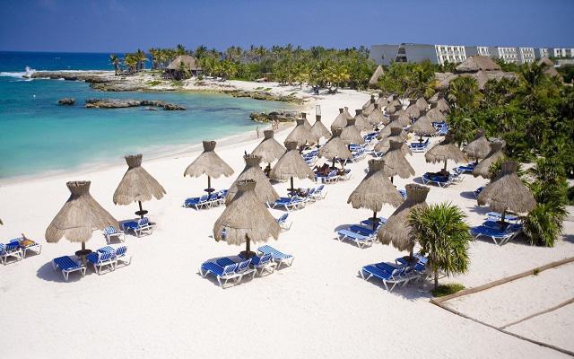 Hotel Grand Sirenis Riviera Maya, descansa en la playa con el mejor servicio