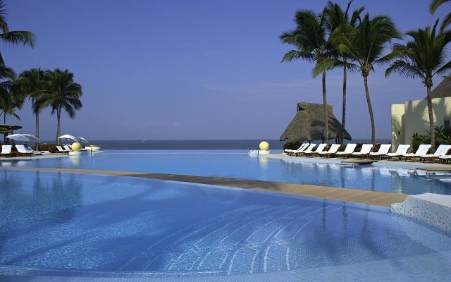 Hotel Grand Velas Riviera Nayarit Luxury All Inclusive, disfruta de su alberca al aire libre