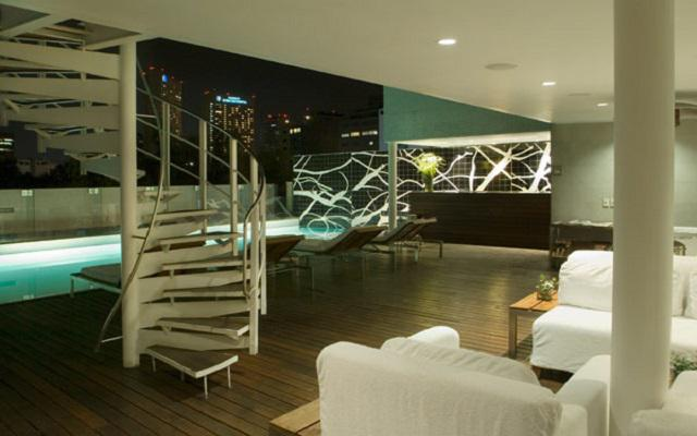 Hotel Habita, pool deck