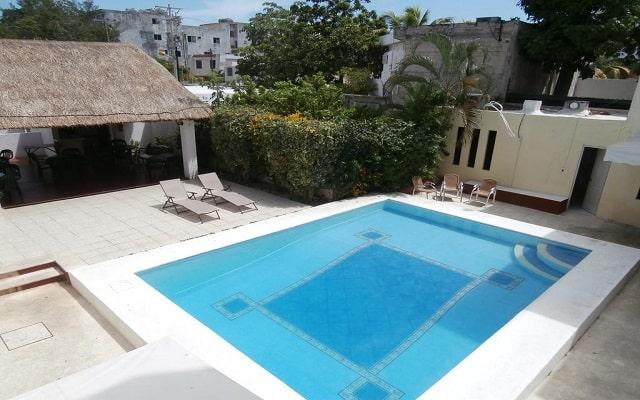 Hotel Hacienda Cancún, disfruta de su alberca al aire libre