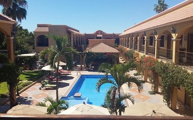 Hotel Hacienda Suites, disfruta de su alberca