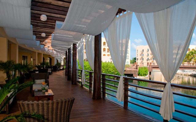 Un hotel fresco y cálida hospitalidad
