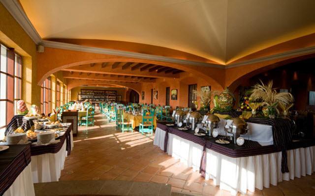 Hacienda Tres Ríos cuenta con ocho restaurantes