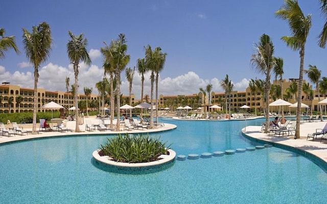 Hotel Hacienda Tres Ríos, disfruta de su alberca al aire libre