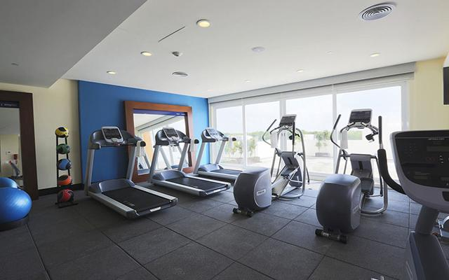Hampton Inn and Suites Paraíso, gimnasio bien equipado