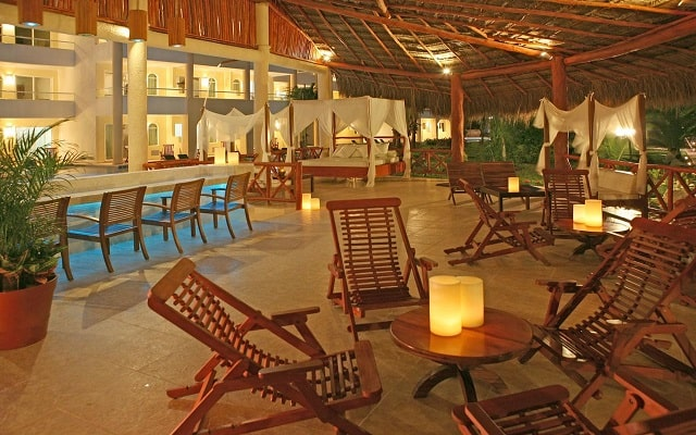 Hotel Hidden Beach Resort Au Naturel, by Karisma, buen servicio