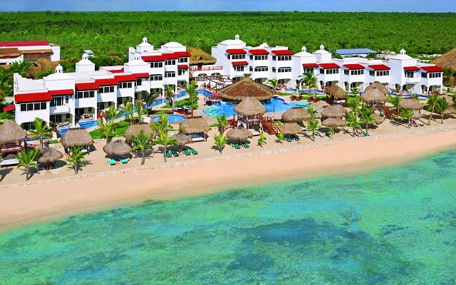 Hotel Hidden Beach Resort Au Naturel, by Karisma, buena ubicación
