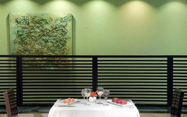 Hotel Hilton Mexico City Airport, gastronomía de calidad