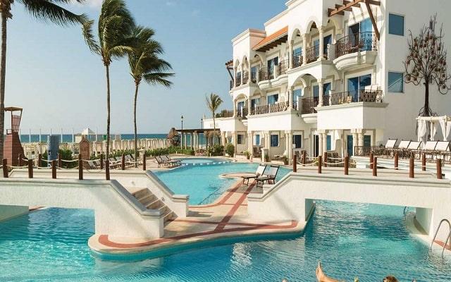 Hotel Hilton Playa del Carmen, an All-inclusive Resort, disfruta de su alberca al aire libre