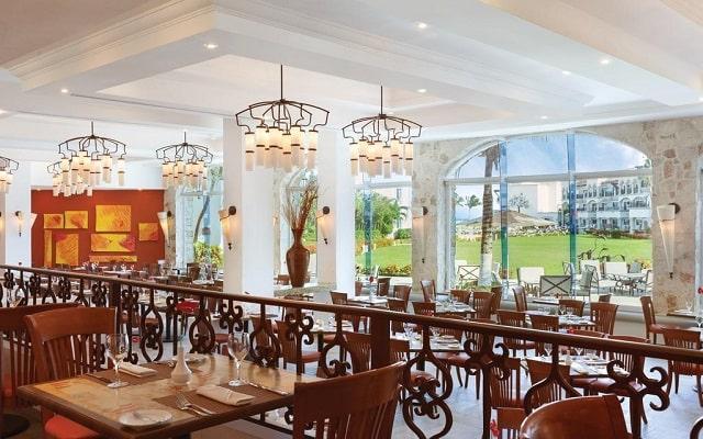 Hotel Hilton Playa del Carmen, an All-inclusive Resort, escenario ideal para tus alimentos