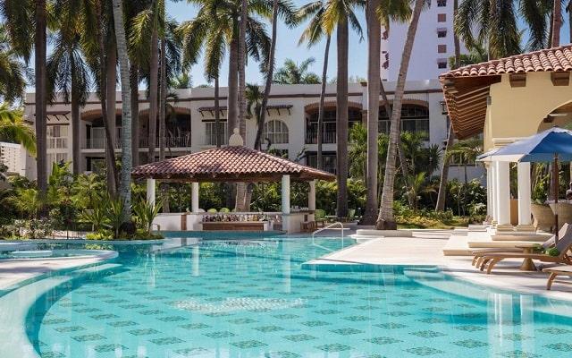 Hotel Hilton Puerto Vallarta Resort All Inclusive, disfruta una copa en el bar