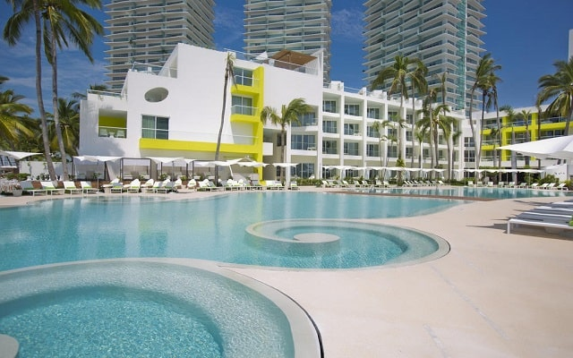 Hotel Hilton Puerto Vallarta Resort All Inclusive, disfruta de su alberca al aire libre