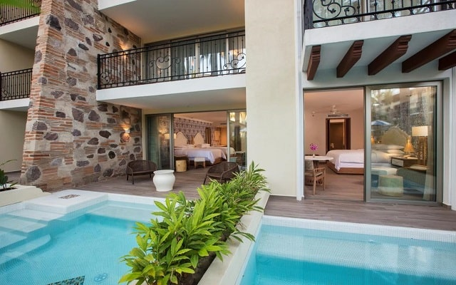 Hotel Hilton Puerto Vallarta Resort All Inclusive, habitaciones con acceso a la alberca