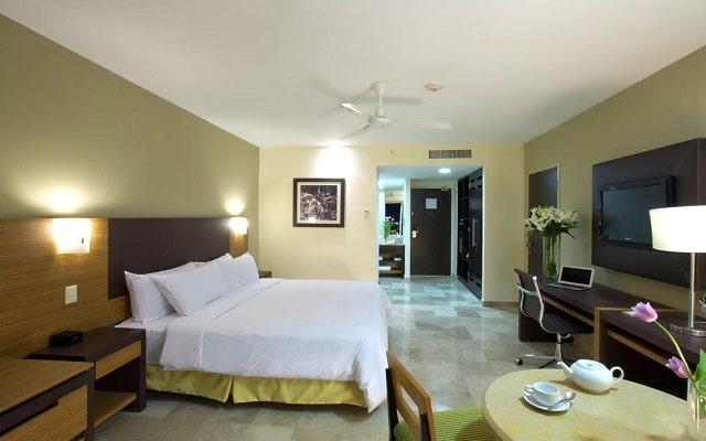 Hotel Hilton Puerto Vallarta Resort All Inclusive, descansa en la comodidad de tu habitación