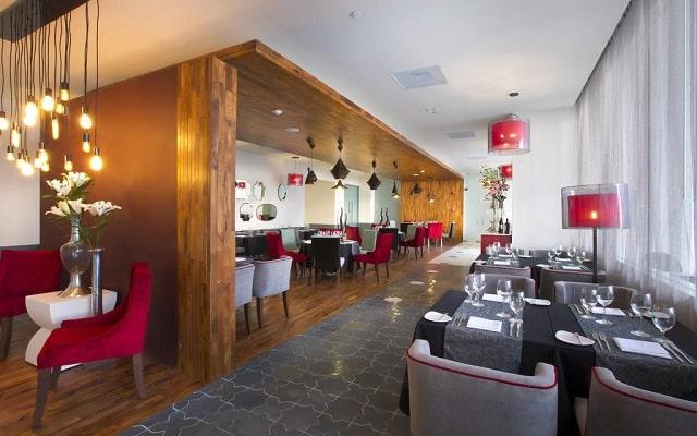 Hotel Hilton Puerto Vallarta Resort All Inclusive, escenario ideal para tus alimentos