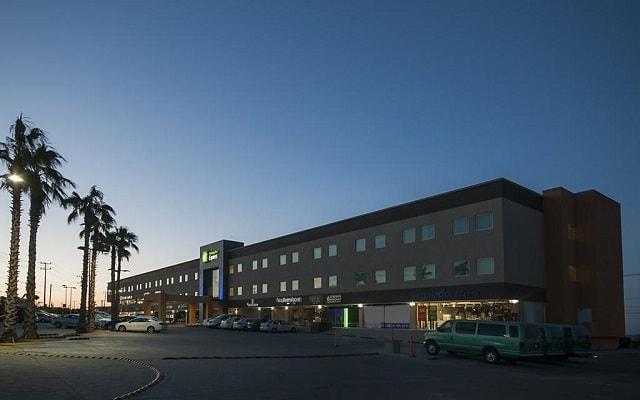 Hotel Holiday Inn Express Cabo San Lucas, buena ubicación