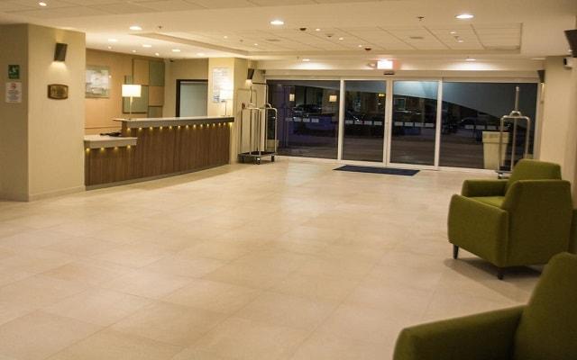 Hotel Holiday Inn Express Guadalajara Aeropuerto, atención personalizada desde el inicio de tu estancia