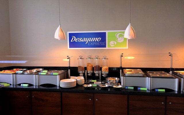 Hotel Holiday Inn Express Puerto Vallarta, variado menú para tu desayuno