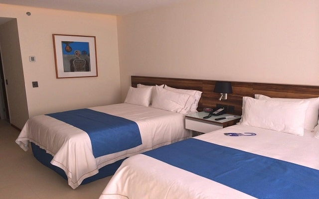 Hotel Holiday Inn Express Puerto Vallarta, amplias y luminosas habitaciones